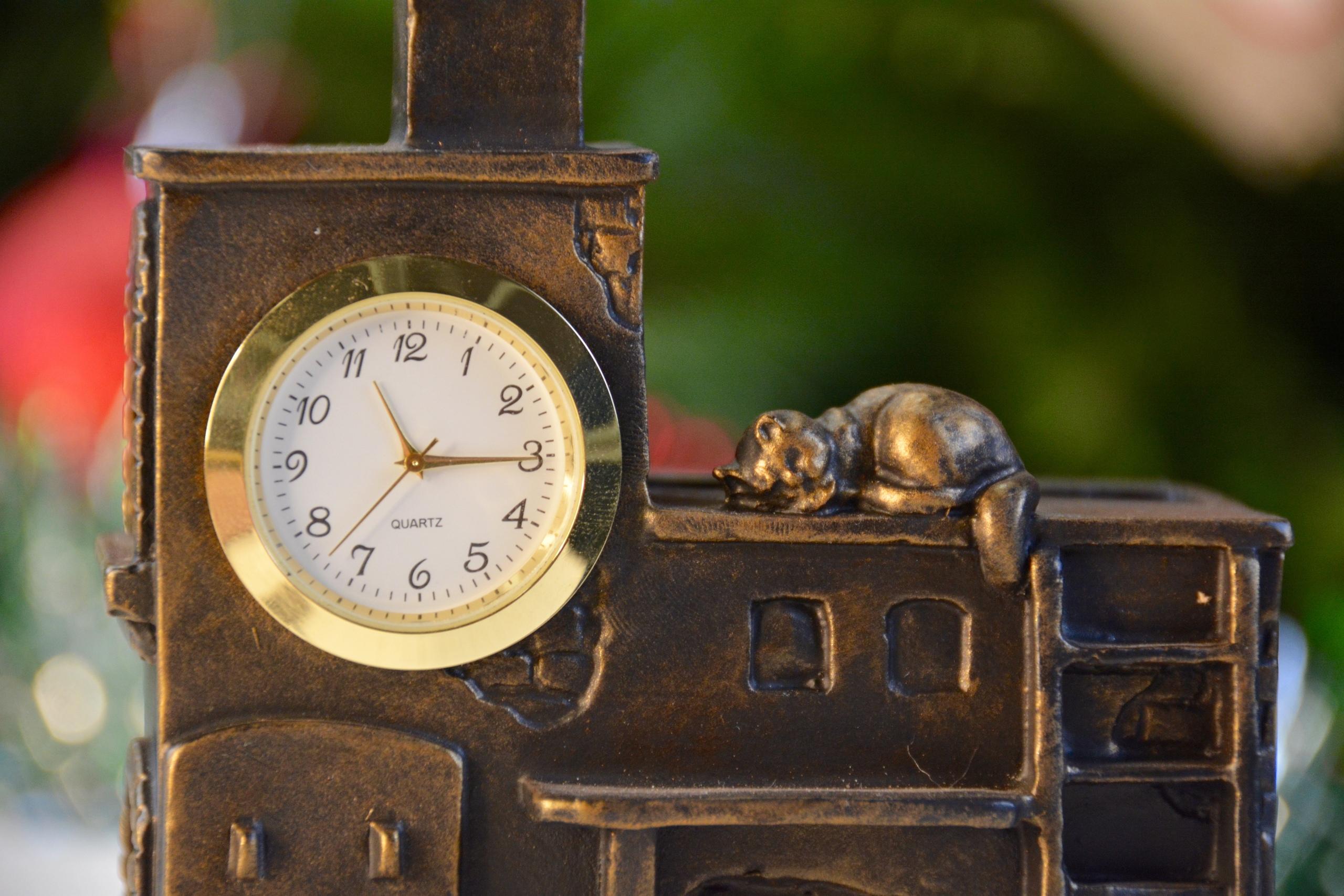 Подарок печнику – чугунные часы «Русская печь»