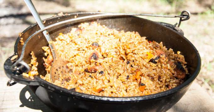 Секрет быстрых и вкусных блюд в казане – чугунная плита под казан